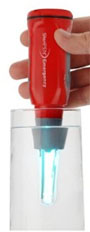Steripen cleaning water with uv light
