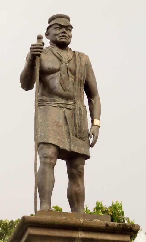 Tsachila Monument