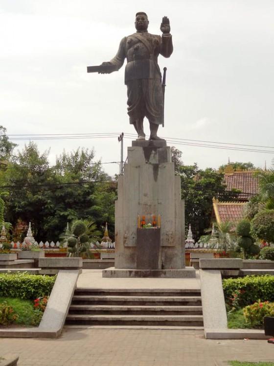 Sisavangvong Satue