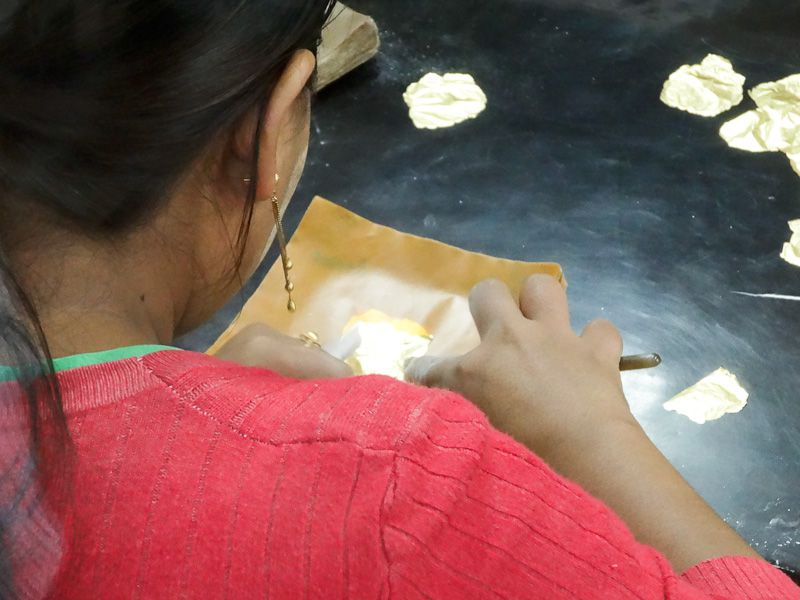 Making A Gold Leaf