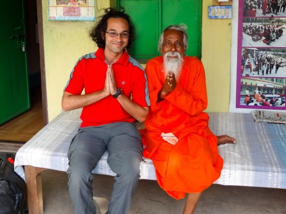 Saluting The Divinity Within YOU At An Indian Ashram