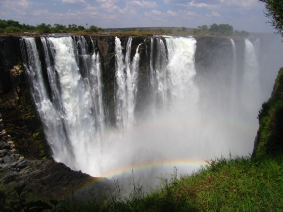 Victoria Falls - Taken 6-Nov-2005 at the border between Zambia and Zimbabwe