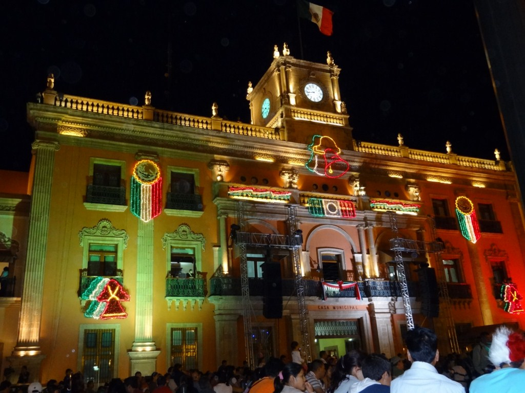 casa municipal in leon mexico independence day