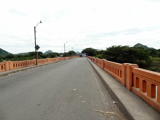 Bridge Between El Salvador And Honduras Facing Honduras