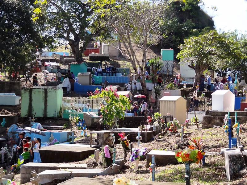 dia del muerto day of the dead in honduras el salvador