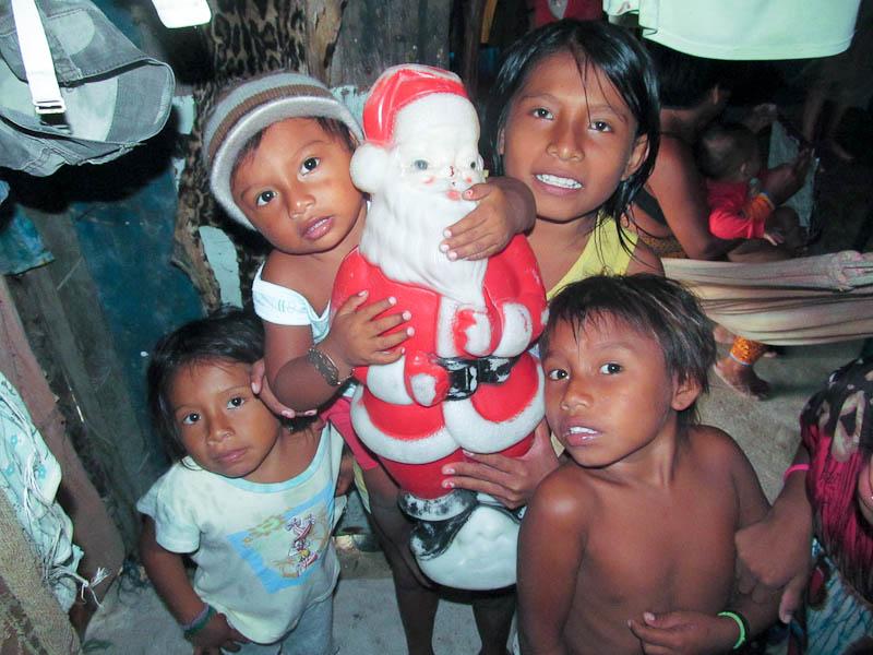 Kuna Kids With Santa Clause