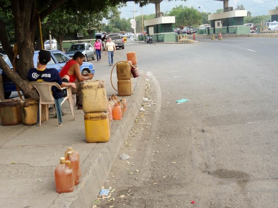 Contraband Venezuelan Gasoline At The Border