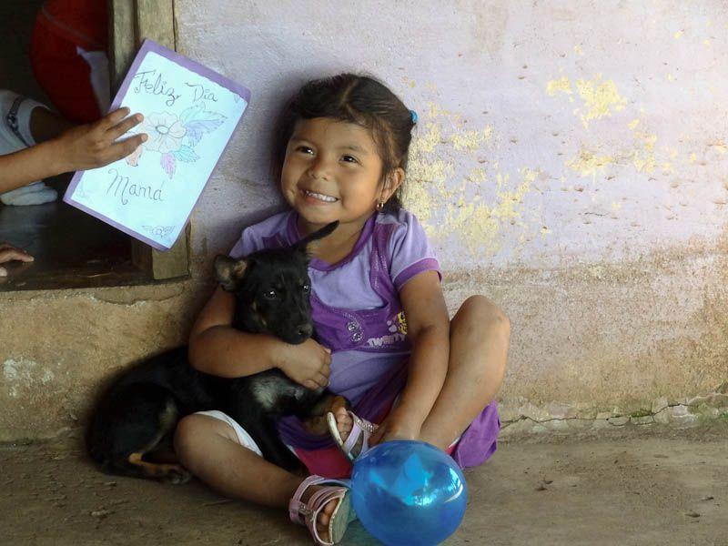 Happy Girl - Chichica, Panama
