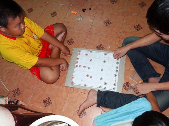 Playing Chinese Checkers