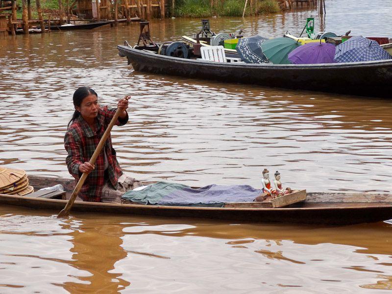 Floating Souvenir Seller