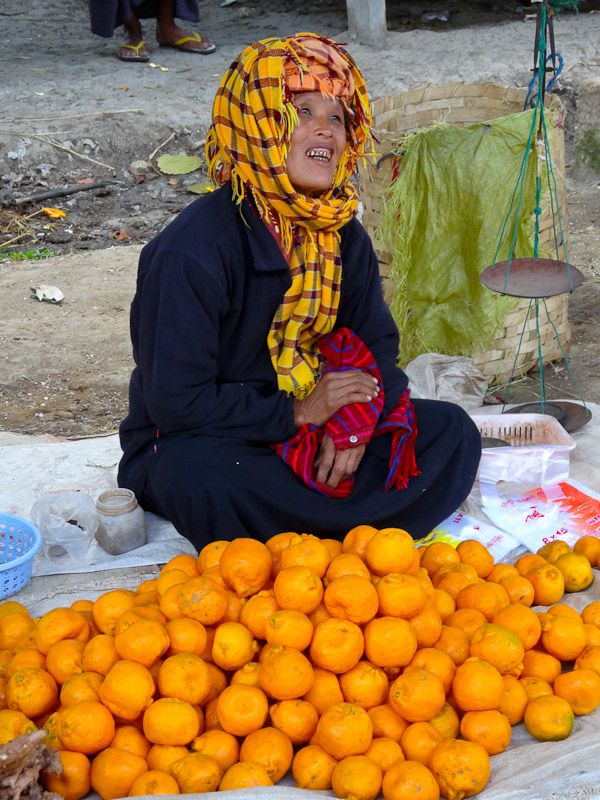 Happy Orange Vendor